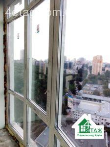 Остекление балконов в рассрочку от пола до потолка