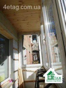 Обшивка балкона деревянной вагонкой с утеплением